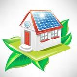 Casa com painel solar; ícone da energia alternativa Fotografia de Stock