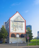 Casa com pintura mural Fotos de Stock Royalty Free