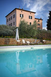 Casa com piscina fotografia de stock