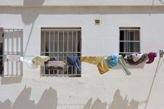 Casa com roupa de secagem Foto de Stock