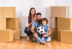 Casa commovente della famiglia fotografia stock libera da diritti