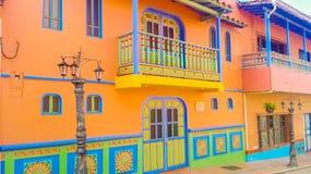 casa con el balcón anaranjado fotografía de archivo libre de regalías