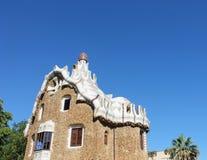 Casa con el detalle arquitectónico en el parque Guell Imagen de archivo libre de regalías
