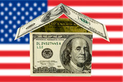 Casa con el dinero Imagen de archivo libre de regalías