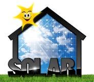 Casa con el panel solar y Sun Imagen de archivo libre de regalías