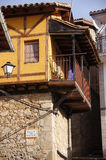 Casa con la galería en Guijo imagen de archivo