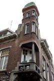 Casa con la torre Imagen de archivo libre de regalías