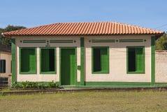 Casa con las decoraciones verdes Imágenes de archivo libres de regalías