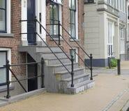 Casa con las escaleras imagenes de archivo
