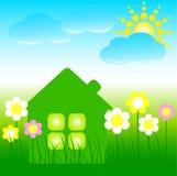 Casa con las flores, las nubes azules y un sol Imagen de archivo libre de regalías