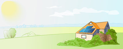 Casa con los paneles solares Fotos de archivo