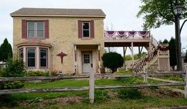 Casa con mattoni a vista classica Fotografia Stock