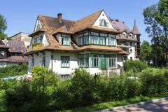 Casa con mattoni a vista, costruita intorno all'anno 1910 in Zakopane Fotografie Stock
