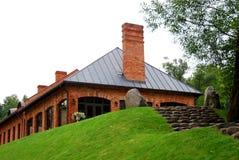 Casa con mattoni a vista rossa Fotografie Stock Libere da Diritti