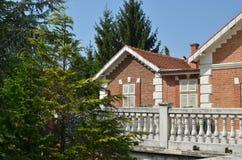 Casa con mattoni a vista rossa Immagini Stock Libere da Diritti