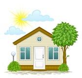 Casa con un árbol y las nubes ilustración del vector