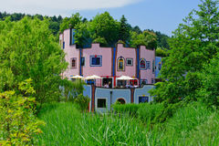 Casa cor-de-rosa e azul Imagem de Stock
