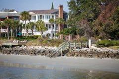 Casa costiera a tre livelli Immagini Stock Libere da Diritti
