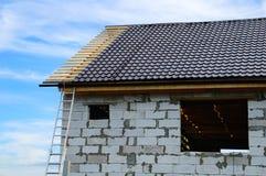 Casa in costruzione dei blocchi in calcestruzzo immagini stock