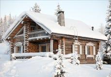 Casa Cosy do inverno Fotos de Stock Royalty Free
