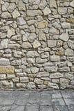 Casa 3D esteriore con la parete di pietra ed il pavimento Fotografia Stock