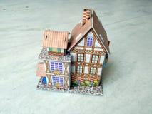 casa 3d moderna su fondo bianco fotografie stock libere da diritti