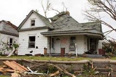 Casa dañada tornado Joplin MES Imagen de archivo libre de regalías