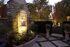 Casa da associação do quintal Fotos de Stock Royalty Free