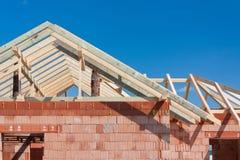 Casa da construção - telhado Fotos de Stock