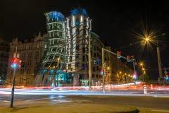 Casa da dança em Praga na noite fotos de stock