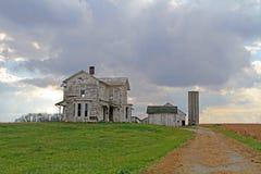 Casa da exploração agrícola de Abandonded Foto de Stock Royalty Free