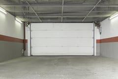 Casa da garagem fotos de stock
