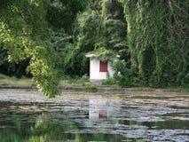 Casa da lagoa Fotos de Stock Royalty Free