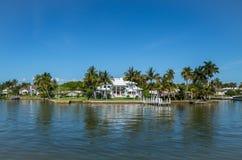 Casa da margem em Nápoles, Florida Foto de Stock Royalty Free
