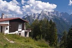 Casa da montanha Fotos de Stock
