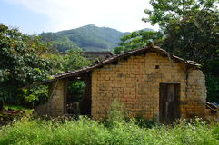 Casa da montanha em montanhas chinesas Fotos de Stock Royalty Free