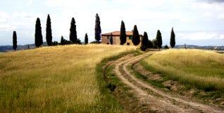 Casa da quinta de Tuscan Fotos de Stock Royalty Free