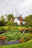 Casa da quinta inglesa medieval do solar foto de stock