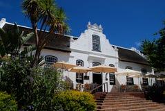 Casa da quinta no estilo colonial Fotos de Stock Royalty Free
