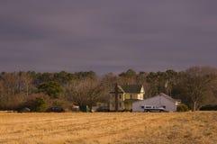 Casa da quinta no país Imagens de Stock