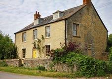 Casa da quinta rural inglesa tradicional Fotografia de Stock