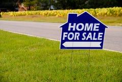 Casa da vendere il segno Immagine Stock