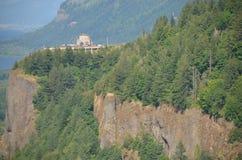 Casa da vista lado no desfiladeiro de Colômbia, Oregon Foto de Stock