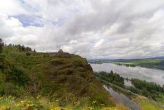 Casa da vista no ponto da coroa no desfiladeiro do Rio Columbia em Oregon Fotografia de Stock