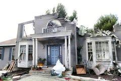 A casa danificou pelo disastre imagens de stock royalty free