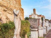 Casa das virgens de Vestal do Virgin de Vestal Roman Forum Rome Italy fotografia de stock