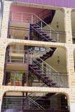 Casa de apartamento moderna com escada Fotos de Stock Royalty Free