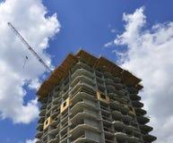 Casa de apartamento sob a construção fotos de stock royalty free