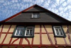 Casa de Bacharach ao longo do vale do Reno em Alemanha Imagens de Stock Royalty Free