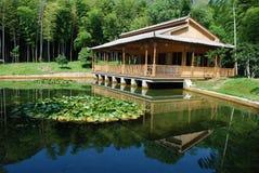 Casa de bambu Imagens de Stock Royalty Free